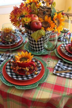 A beautiful centerpiece is a feast for the eyes, Browse photos of Beautiful Fall Table Setting Ideas, for ideas and inspiration For Special Occasions. Fall Table Settings, Beautiful Table Settings, Place Settings, Table Arrangements, Floral Arrangements, Decoration Table, Centerpiece Ideas, Autumn Centerpieces, Table Centerpieces