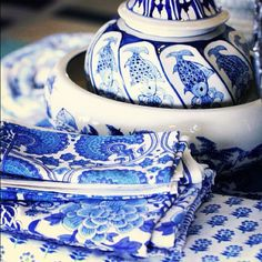 Lilyfield Life: love these bold blue napkins