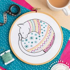 Hand Embroidery Kits, Wooden Embroidery Hoops, Embroidery Stitches, Embroidery Designs, Contemporary Embroidery, Modern Embroidery, Swedish Embroidery, Yarn Store, Embroidery For Beginners