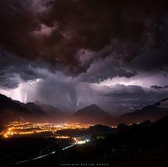 Lightning over Oberstdorf in  Allgäu, Germany. (May 2015) Credit: Jonathan Besler