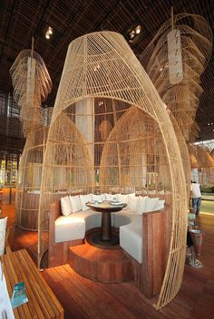 PIN Retreat & Spa Restaurant Interior Design in Bali. Love the look and shape of this design that made from wood. It gives you a tropical feel and suit the overall design and space in Bali. Plan Restaurant, Small Restaurant Design, Architecture Restaurant, Decoration Restaurant, Architecture Design, Deco Restaurant, Bamboo Architecture, Restaurant Interior Design, Resturant Design Ideas