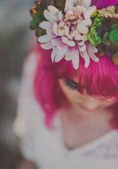 HELLO MISS LOVELY // #hair #pink #flowercrown #bride #inspiration