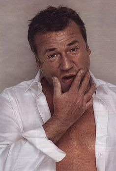 Talented British 'hard man' actor Ray Winstone. 'Who's the Daddy!'