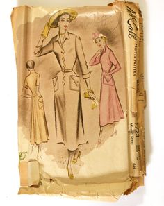 Scallop edging, swinging skirt back, enormous pockets.  What's not to love with this vintage dress pattern?