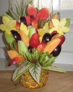 Laten we het eens anders doen, maak iemand blij met een bosje......nee geen bloemen, maar fruit :-P