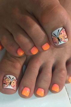 Cool summer pedicure nail art ideas 44