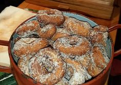 Rosquillas de las abuelas del pueblo Receta de SD Eric- Cookpad Homemade Donuts, Christmas Dishes, Donut Recipes, Bagel, Doughnut, Muffin, Bread, Breakfast, Desserts
