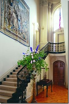 Filoli staircase - notice the tapestry. I NEED a tapestry in my dream home