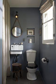 commode and sink combo, wall color, mirror. Dark Bathrooms, Vintage Bathrooms, Dream Bathrooms, Small Toilet Room, Small Bathroom, Cloakroom Toilet Downstairs Loo, Washroom, Wc Retro, Wc Decoration