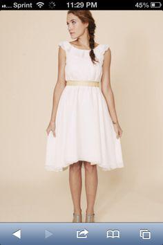 Love this simple wedding dress