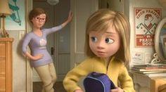 Curta da Pixar mostra o encontro de Riley, a garotinha de 'Divertida Mente' - Blue Bus Inside Out Riley, Movie Inside Out, Disney Inside Out, Disney Nerd, Disney Pixar, Walt Disney, Disney Insider, Pixar Movies, Disney Movies