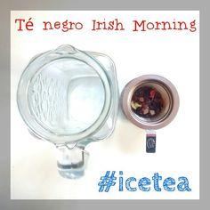 La jarra de té frío de hoy: té negro Irish Morning,  con  una mezcla perfecta de fresa que le da un puntito de frescura y aromático y dulce coco.  Estoy deseando que llegue la tarde para tomármelo fresquito,  y como es viernes no me importa que tenga un poco de cafeína, así disfruto la tarde sin notar el cansancio de la semana, que ya pesa jajaja  #soloinfusiones #ice #igerstea #icetea #irish #morningtea