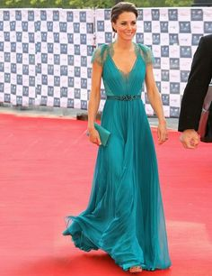Teal Jenny Packam gown and Jimmy Choo heels  I wonder if it comes in ivory!! :p