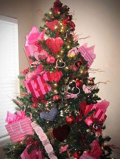 Valentine's Day Tree {Twist Me Pretty (2011)}
