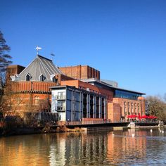 RSC. Stratford-Upon-Avon Shakespeare Theatre, Royal Shakespeare Company, William Shakespeare, Oh The Places You'll Go, Places To Travel, Places Ive Been, Travel England, England Uk, Living In England