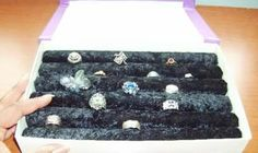 Organizador de anillos.  Con una caja de cartón