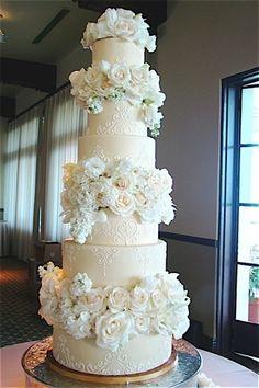 A Regal and Romantic Sky-Scraper of a Cake