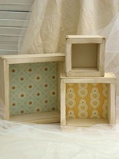 pretty faux-vintage shadow boxes, would make great display boxes for shows, thanks to Jaime from Crafty Scrappy Happy Crafts To Make, Diy Crafts, Licht Box, Altered Boxes, Box Frames, Box Art, Shadow Box, Decoration, Wood Crafts