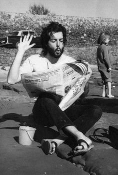 beatles-and-stuff: Paul McCartney. Catherine Deneuve, Ringo Starr, George Harrison, John Lennon, Rock And Roll, Linda Eastman, People Reading, Paul And Linda Mccartney, Paul Mccartney Beard