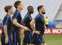 Antoine Griezmann, Laurent Koscielny, Olivier Giroud and Paul Pogba, players who are vital for France, take part in a training session, June 9, 2016