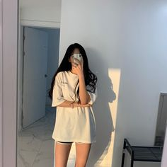 Discover recipes, home ideas, style inspiration and other ideas to try. Mode Ulzzang, Ulzzang Korean Girl, Cute Korean Girl, Asian Girl, Kpop Outfits, Korean Outfits, Girl Outfits, Cute Outfits, Fashion Outfits