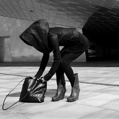 cyberpunk / all black / urban dystopia / health goth / post apocalyptic inspiration / women's fashion
