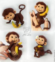 Игрушки животные, ручной работы. Ярмарка Мастеров - ручная работа. Купить Обезьянка Шоколадка с бананом - символ 2016 нового года. Handmade.