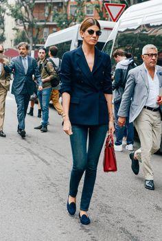 jeans, blazer e saparilha: casual chic