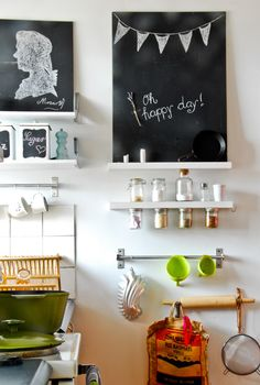 small kitchen nook -- taking advantage of a small kitchen by using wall space