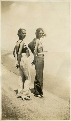 .sisters on the beach- vintage 1930s