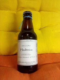 Cerveja Oficina e Ofício Hedônica, estilo Standard Bitter, produzida por  Cervejaria Caseira, Brasil. 5.5% ABV de álcool.