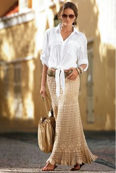Fabulous Crochet a Little Black Crochet Dress Ideas. Georgeous Crochet a Little Black Crochet Dress Ideas. Crochet Skirt Outfit, Crochet Skirt Pattern, Black Crochet Dress, Crochet Skirts, Crochet Clothes, Skirt Patterns, Maxi Skirt Style, Maxi Skirt Outfits, Lace Skirt