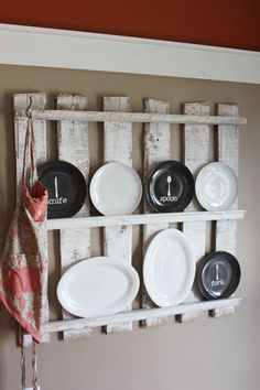 Poppies at Play: Wooden pallet kitchen display