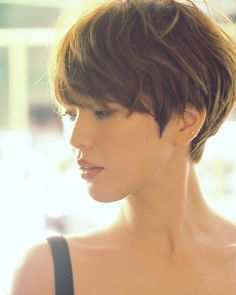 ☆ Adult French Mash Short ☆ (Coiffure Cheveux courts) – Hair – - MY World Short Hair With Bangs, Short Hair Cuts For Women, Girl Short Hair, Hairstyles With Bangs, Pretty Hairstyles, Short Hair Styles, Short Layered Haircuts, Short Haircut, Pixie Haircut