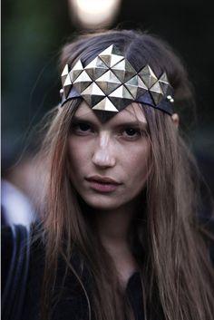 Find more headband inspo at www.fashionaddict.com.au