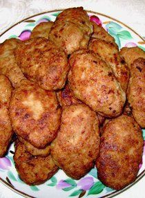 Сочнее котлеток вы не пробовали 100% Vegetarian Recipes, Cooking Recipes, Russian Recipes, Fruit Smoothies, Food Photo, Ground Beef, Food To Make, Chicken Recipes, Good Food