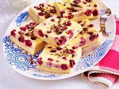 Unser beliebtes Rezept für Kirschkuchen vom Blech mit Schmandguss und mehr als…