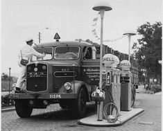 Nostalgie Busses, Back In Time, Ibm, Old Pictures, Cars And Motorcycles, Antique Cars, Automobile, History, Vehicles