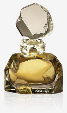 Blessings♥.•:*´¨`*:•♥Parfum This is possibly my favourite perfume bottle! Top Notes: Bergamot, Lemon, Mandarin Heart Heart Notes: Jasmine de Grasse, Rose De Mai Base Base Notes: Cedar, Sandalwood, Tonka, Vanilla