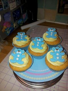 Christening/baby shower cupcakes