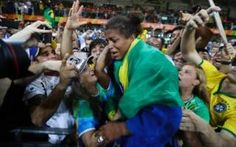 Rio Olympics 2016: Local hero Rafaela Silva becomes Brazil's first gold medallist of the Games with dramatic judo victory