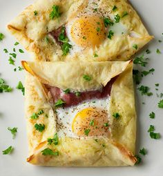 I love Pinterest! Hope I use all these recipesI keep pinning someday!! :-D easter brunch - ham and egg crepe squares