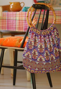 Lilac bag by Jasna Janekovic