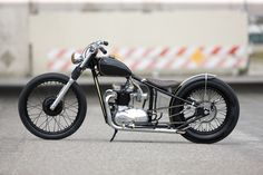 Triumph unit 500 custom bobber chopper hardtail frame