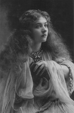 Maude Fealy,  Actress,  Silent Film Actress,  Stage ActressFugacité Éternelle