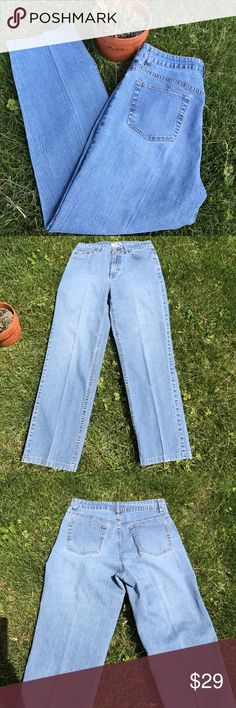 """Coldwater Creek Size 12 Five Pocket Jeans Perfectly distressed, lightweight dress jeans com Coldwater Creek. 32"""" Waist, 11"""" Rise, 28"""" Rise, 16"""" at hem. Love! Coldwater Creek Jeans"""