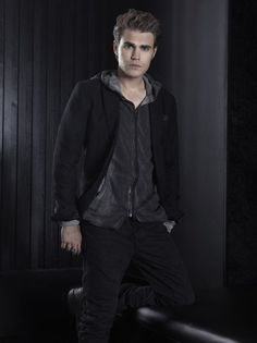 Paul Wesley sexy pic - Paul Wesley hot photo - Paul Wesley in The Vampire Diaries picture #6 of 143