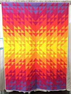 New Texagon | QuiltCon 2018 | flying geese | half square triangles | quilt | modern | modern traditionalism