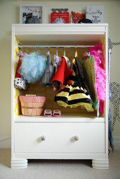 DIY costume closet for little girls - adorable!