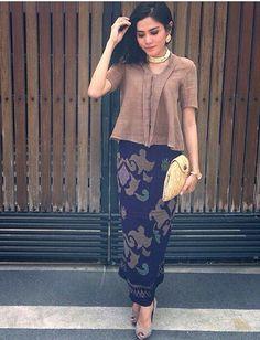 Super ideas for fashion modest casual sleeve Kebaya Lace, Batik Kebaya, Kebaya Dress, Batik Dress, Kebaya Brokat, Batik Fashion, Ethnic Fashion, Hijab Fashion, Fashion Outfits